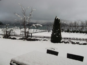 雪景色の河口湖