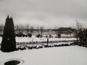 雪の河口湖